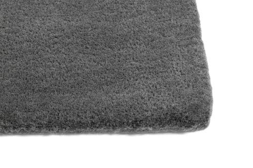 Raw Rug NO2 140 x 200 cm Dark grey