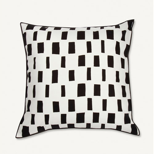 Marimekko Iso Noppa Cushion Black/White