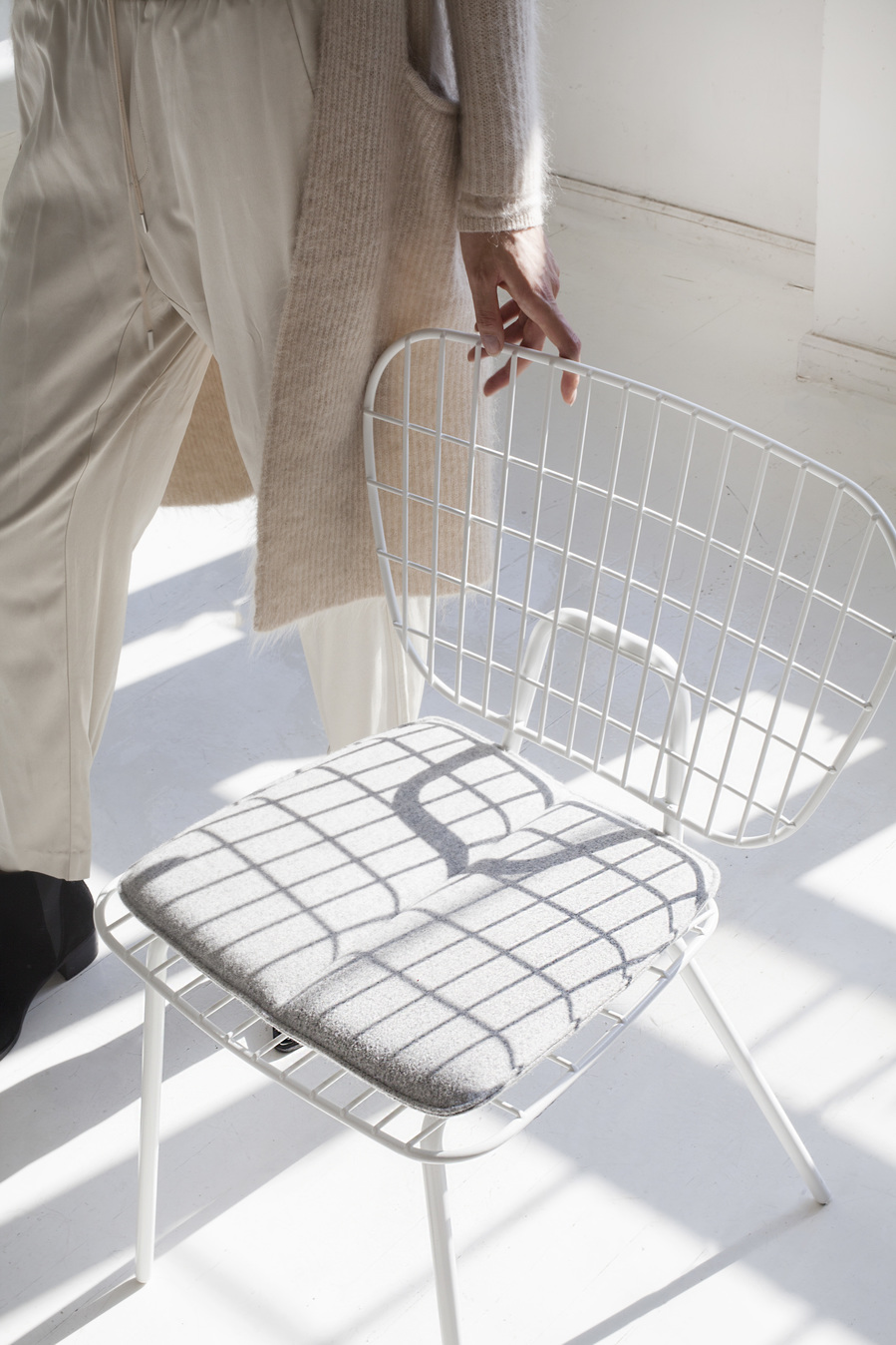 Menu WM String Lounge Chair White