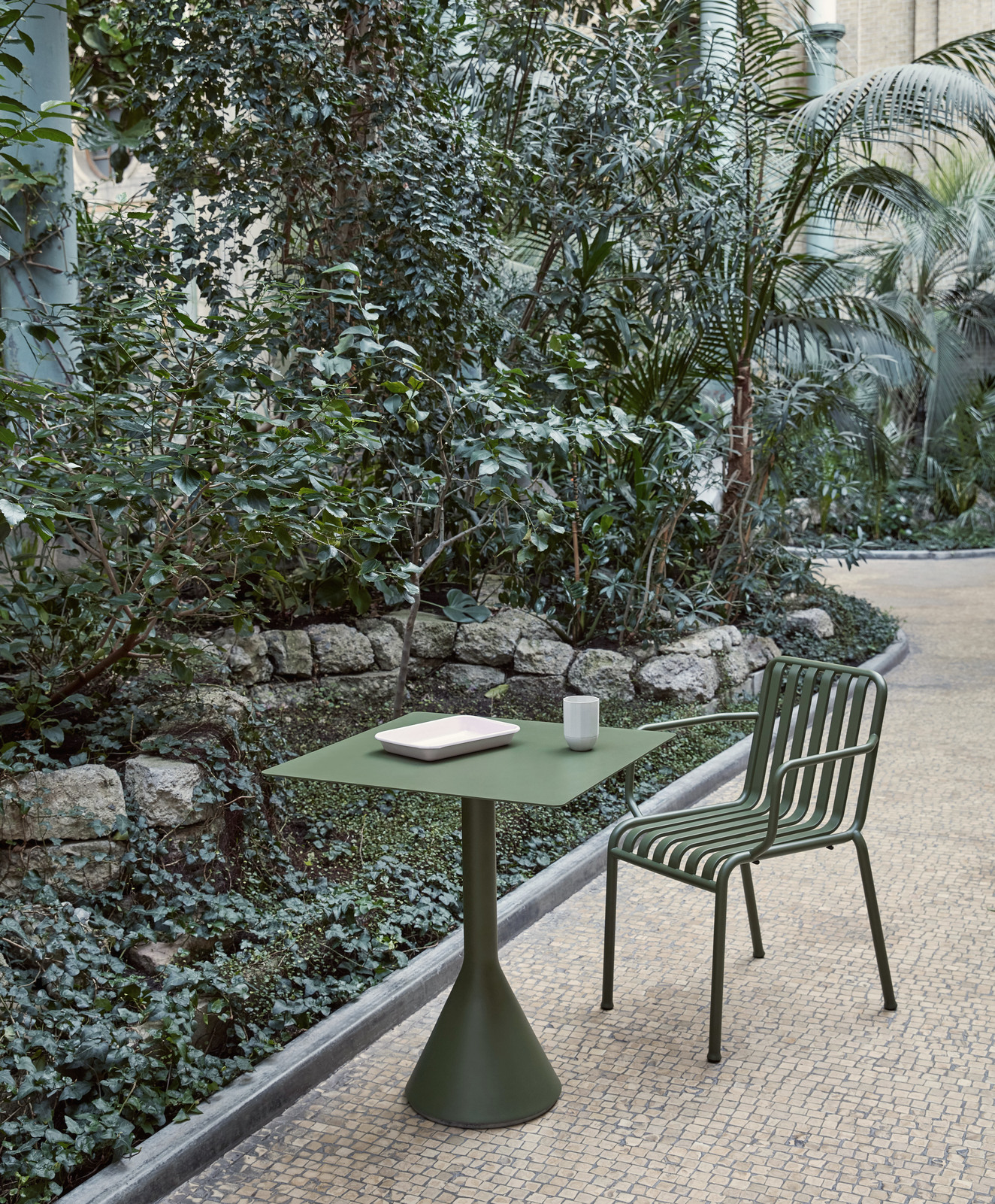 Hay Palissade Cone Table 65x65 Olive