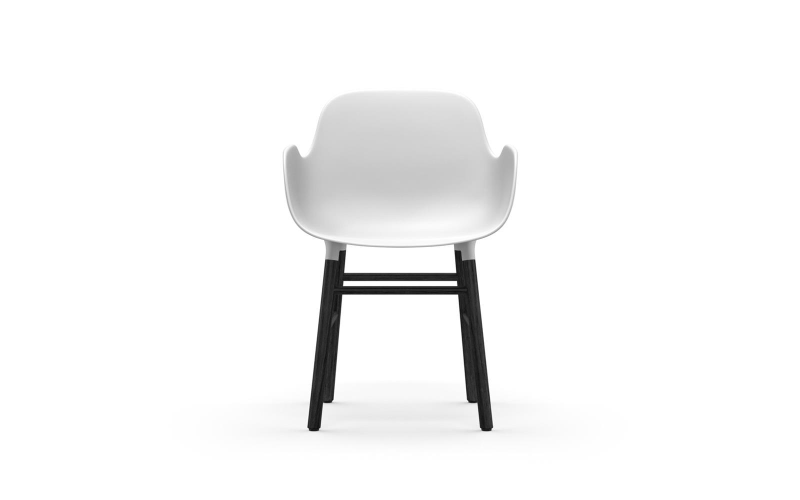 Normann CPH Form Armchair Wood Black gestoffeerd