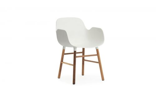 Normann CPH Form Armchair Walnut gestoffeerd