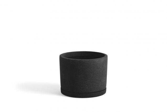 Plant pot with saucer L black