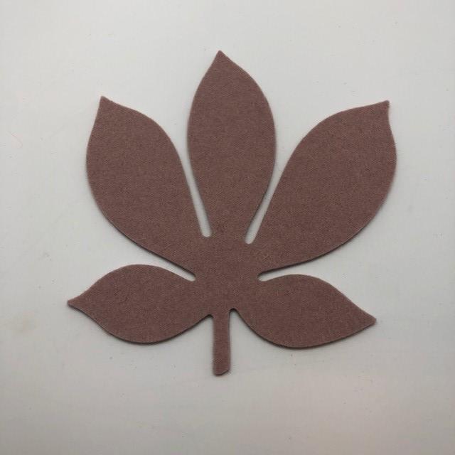 Onderzetter blad chestnut powder 51