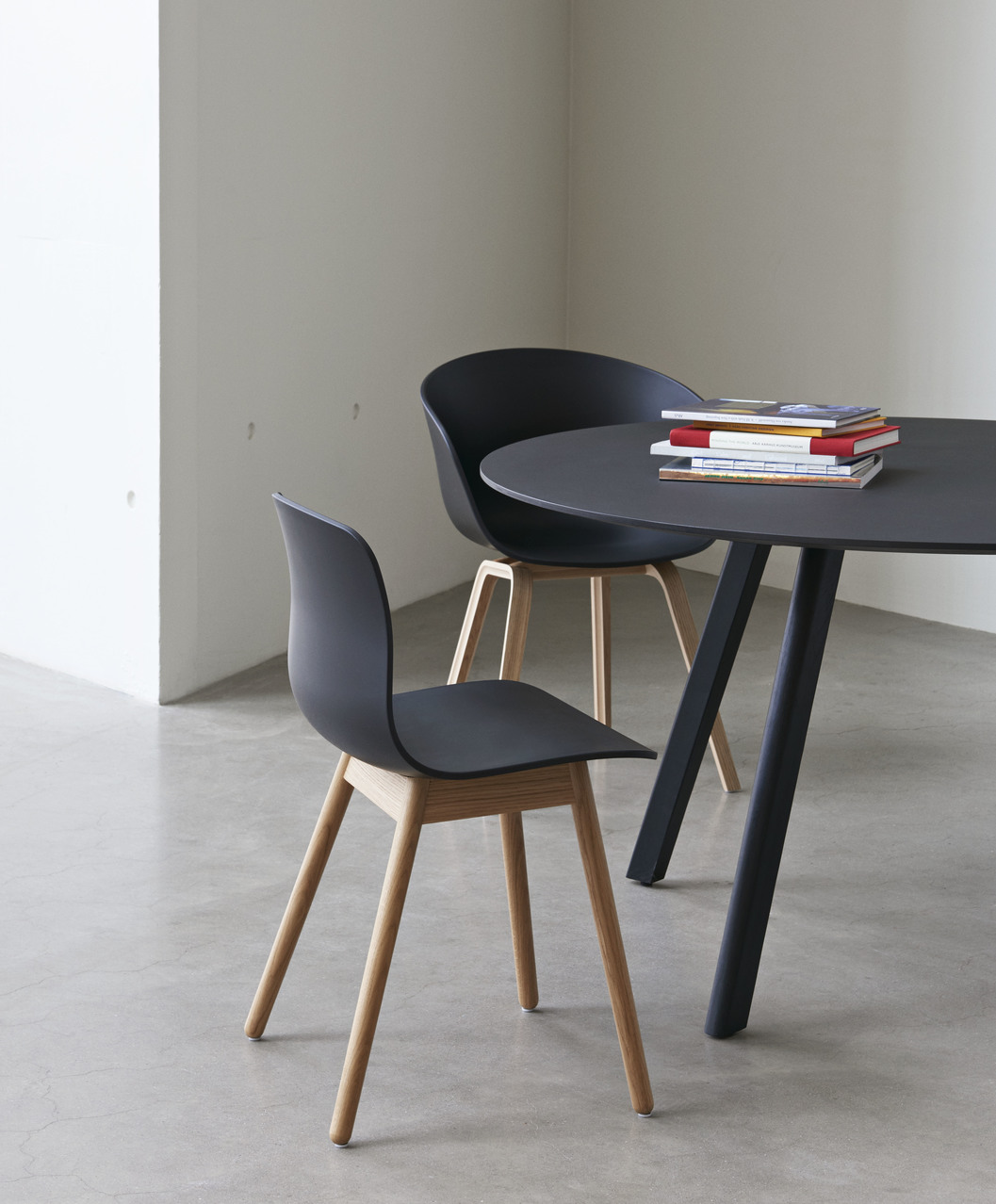 Hay CPH25 Table Round 140 Oak/Clear