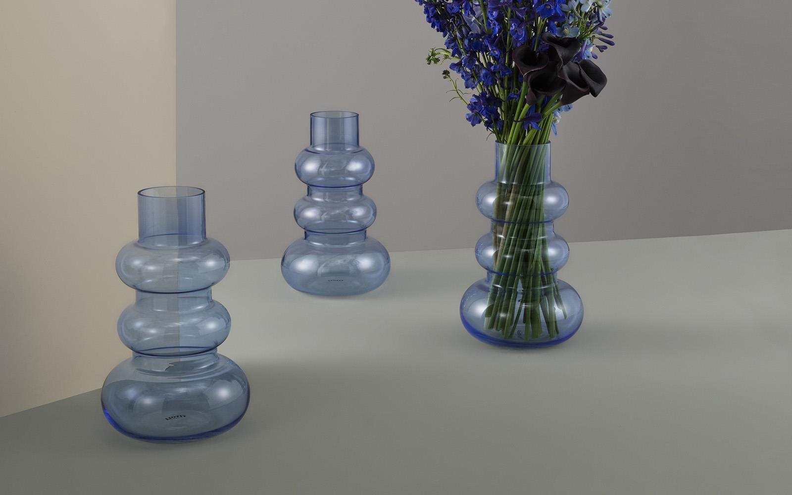 Balloon vase L pale blue