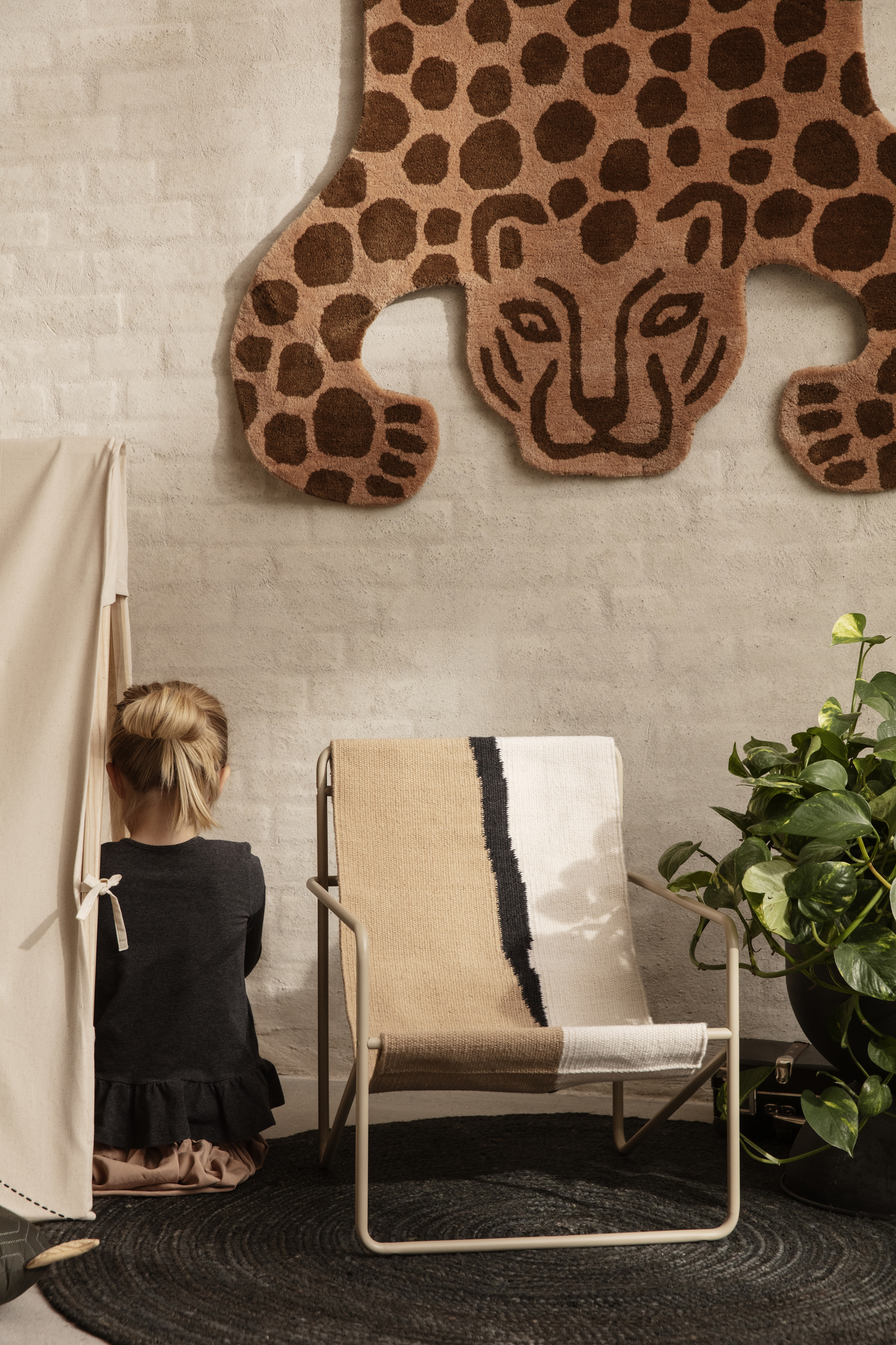 Ferm Living Desert Chair Kids Cashmere/Soil