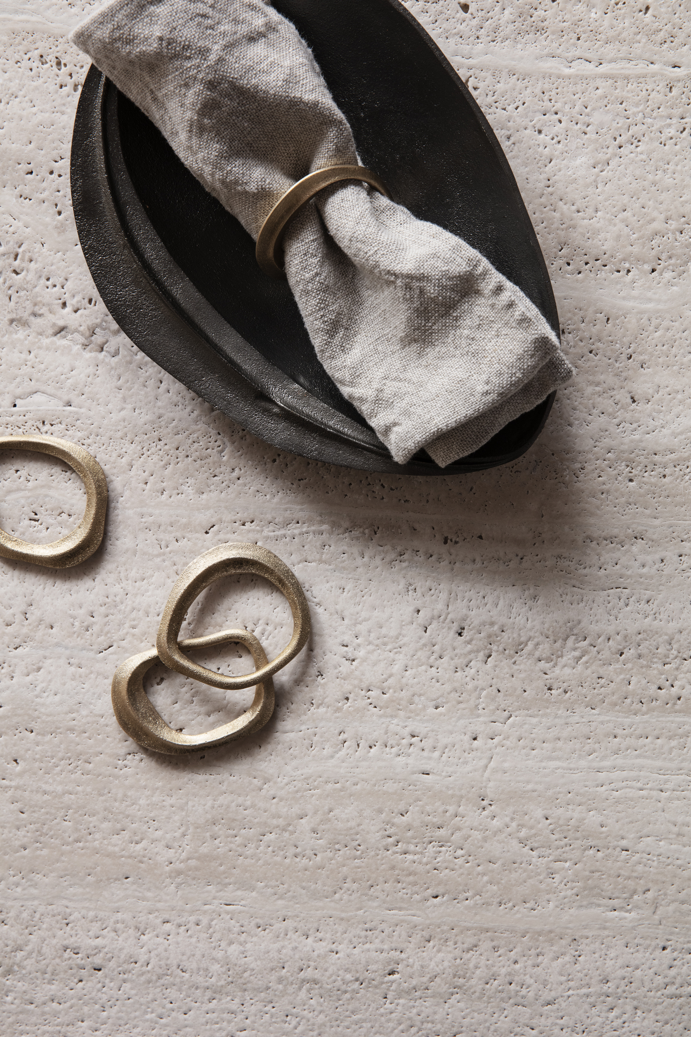 Ferm Living Flow Napkin Rings set4 Black Brass